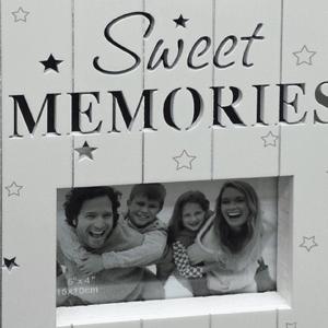 """מסגרת עץ לתמונה """" זכרונות מתוקים"""""""