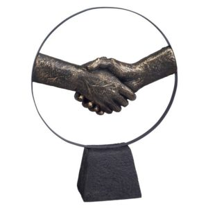 פסל אומנותי יד לוחצת יד