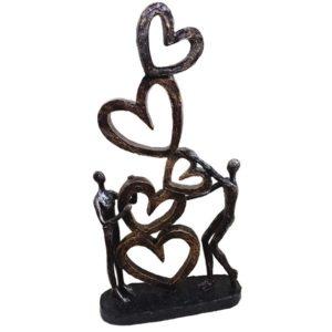 פסל אומנותי אהבה באויר