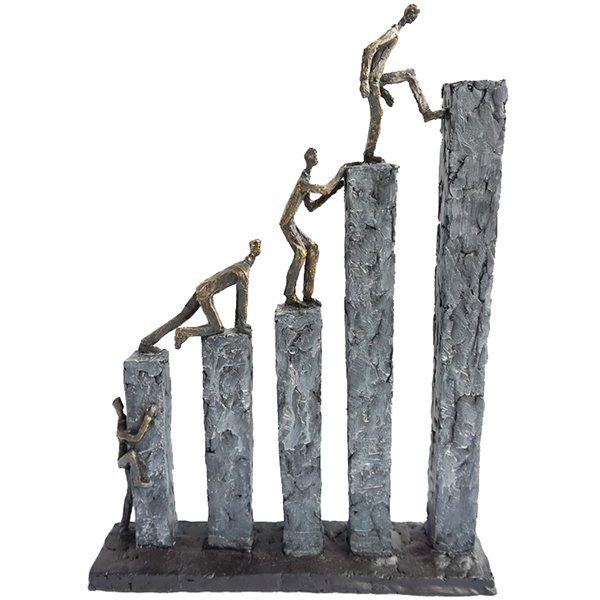 """פסל """"שואפים לגובה"""""""