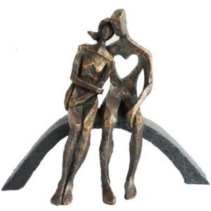 """פסל """"אהבת אמת"""""""