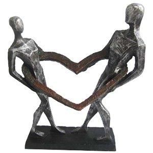 שבויים בתוך האהבה