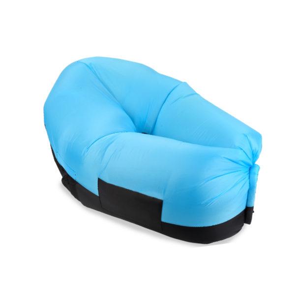 מוצרי פרסום של כורסא מתנפחת בצבע תכלת